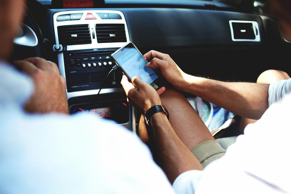車のエアコンが効かない時に自分で交換できるもの
