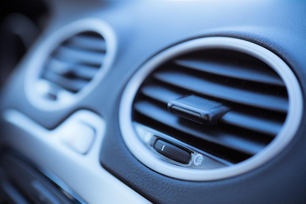 車内の空調を整備して、ガソリン臭を敏感に感じ取れるようにすることが大切
