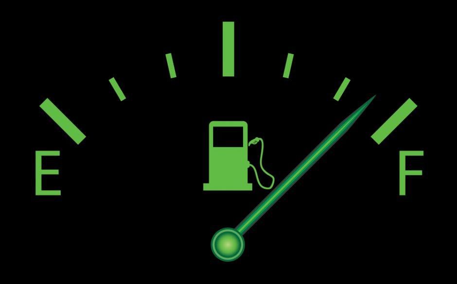 カーエアコンの暖房は燃費に影響する?車内を効果的に温める方法も解説