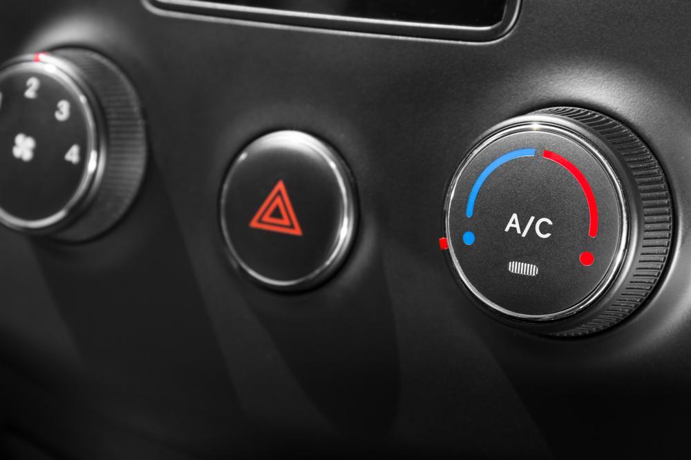 カーエアコンの暖房とA/Cボタンの関係
