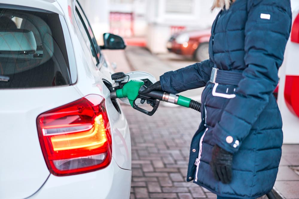 冬場に車の燃費を悪くさせる原因とは