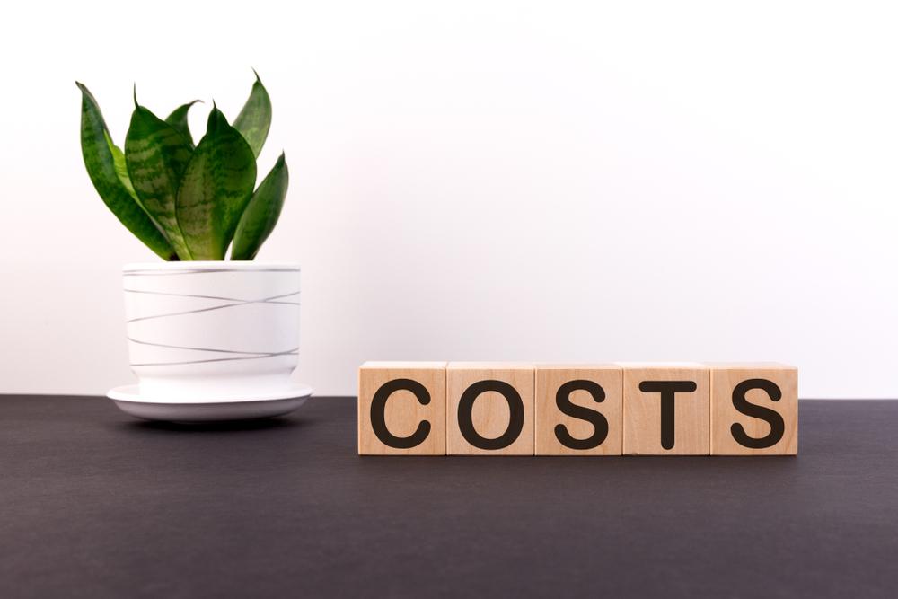 カーエアコンフィルターの交換目安と費用相場