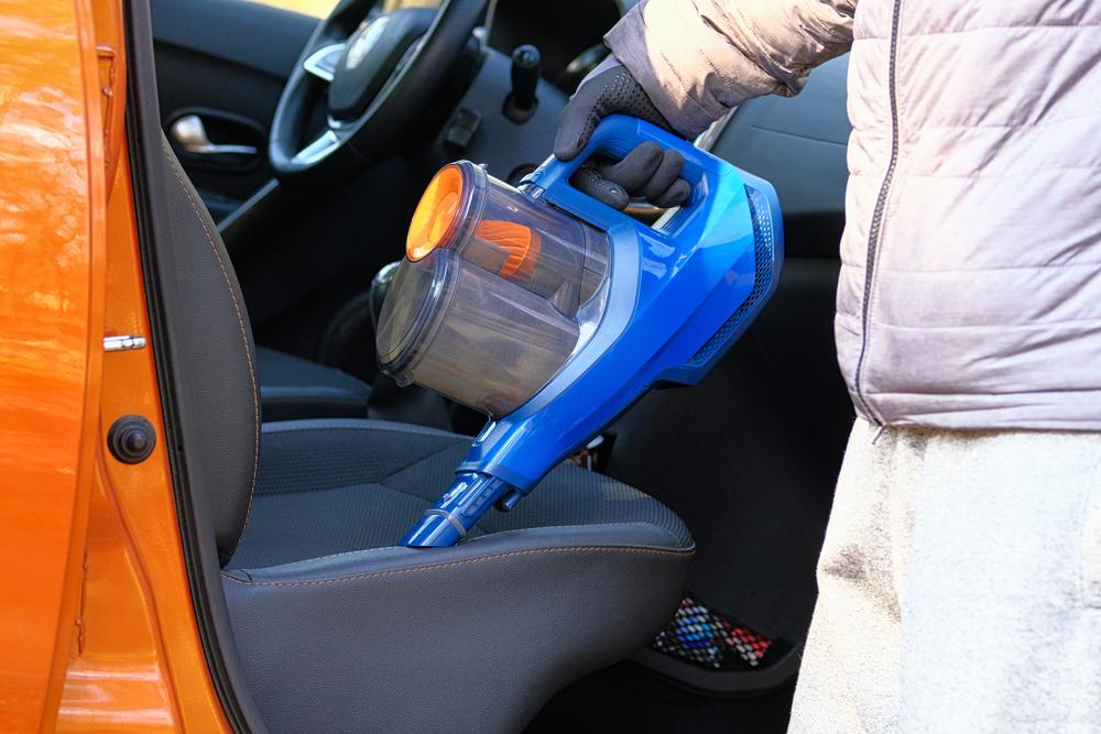 自分でできる車内のクリーニングの方法