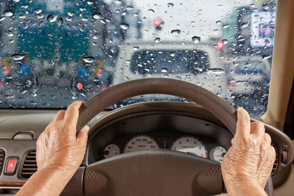 雨の日に車内を濡らさないための工夫
