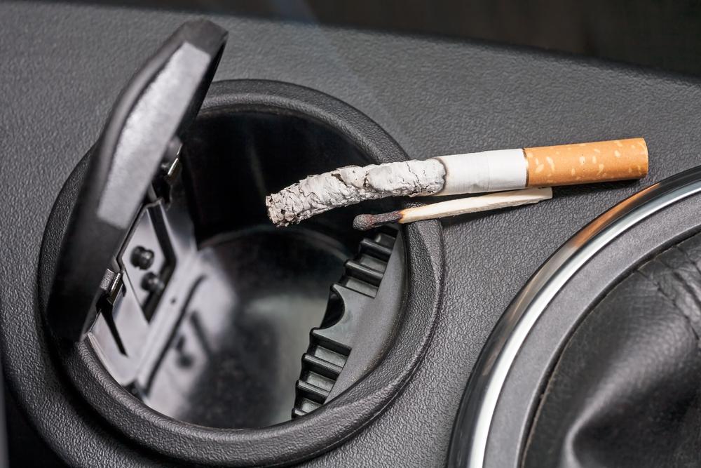 車内の汚れを放置するのは厳禁