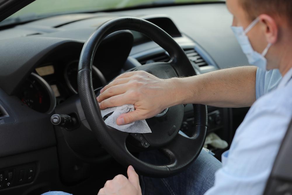 自分で簡単にできる車内の除菌方法