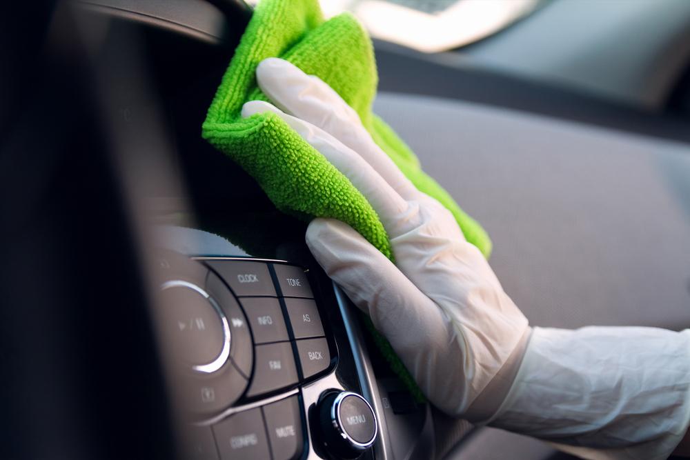 プロによるカーエアコン洗浄でにおいを徹底除去