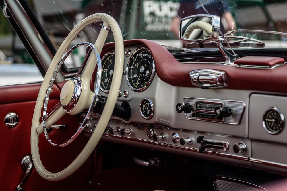 旧車にカーエアコンが付いていない時どうする?