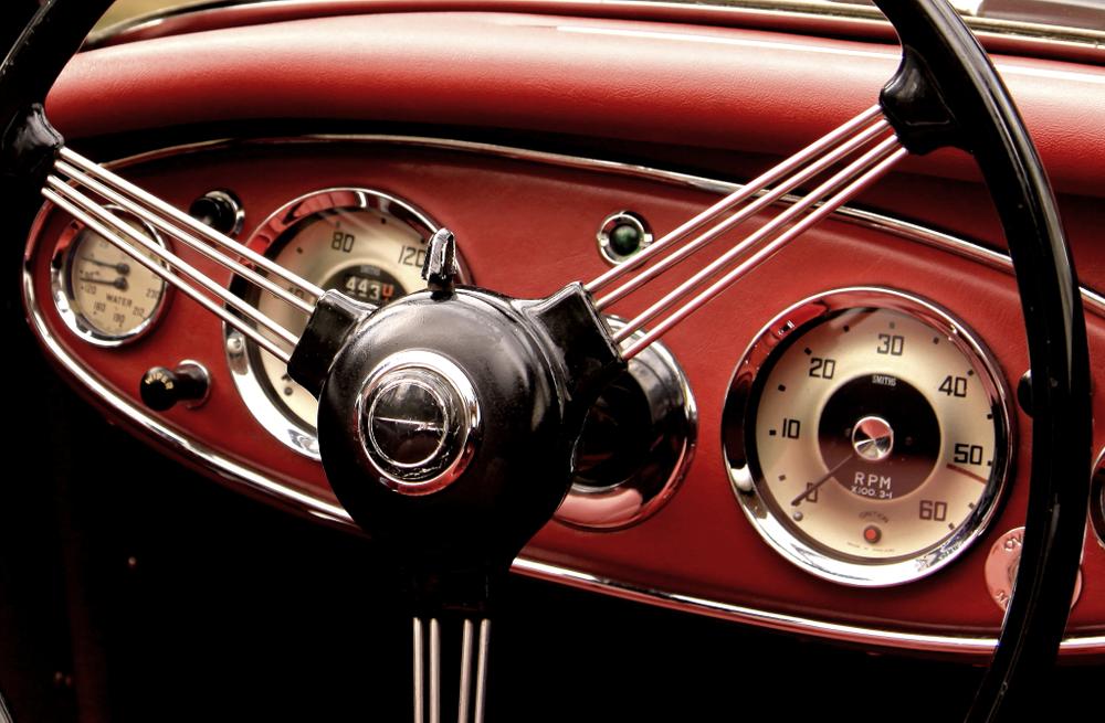 旧車に後付けでカーエアコンを付ける際の注意点