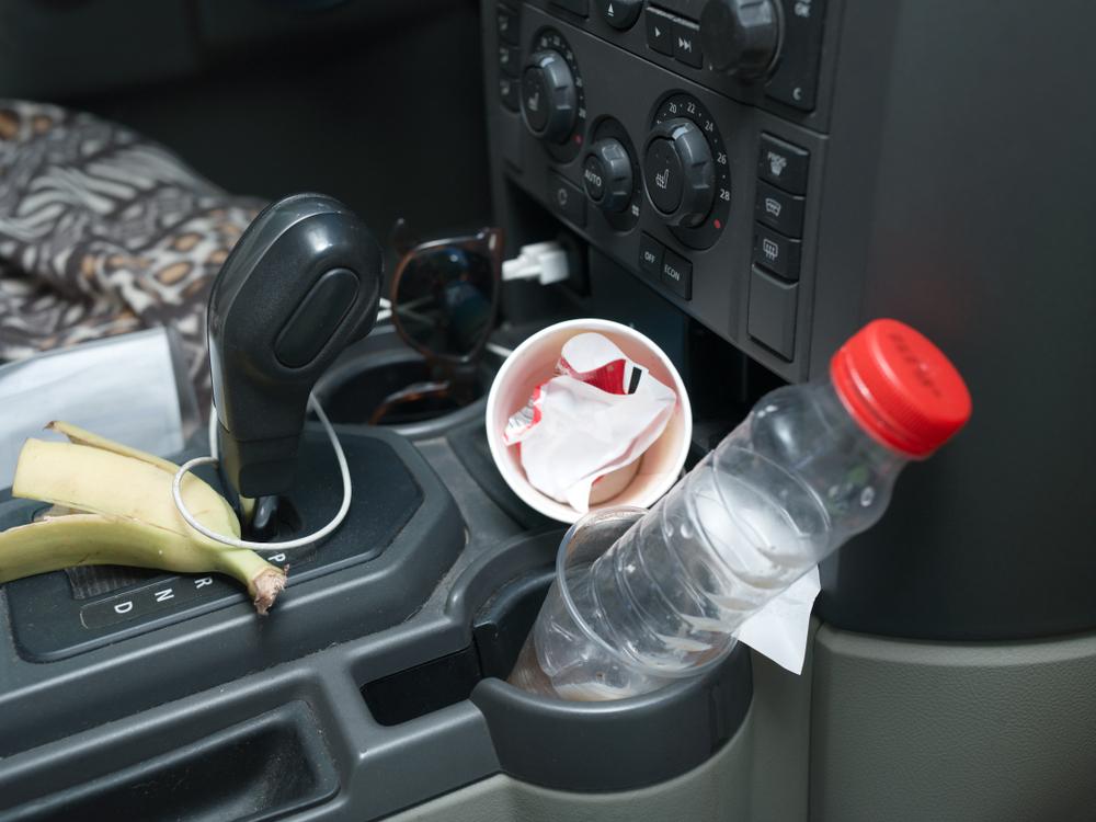 車内に雑菌やカビが発生するのはなぜ?