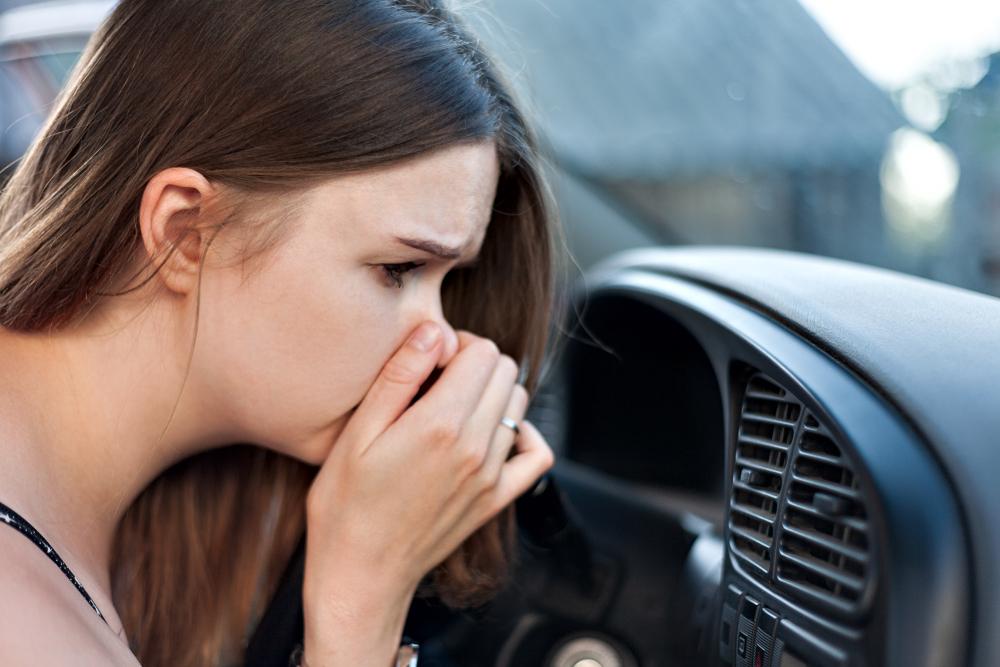 暖房の臭いが気になる場合はエアコン洗浄を検討
