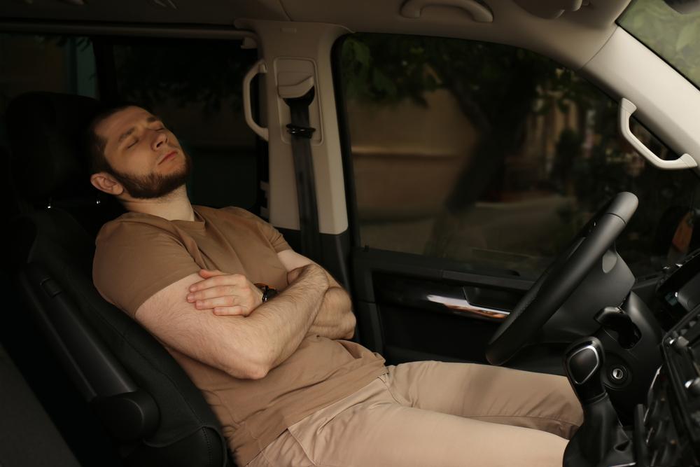 冬の車中泊では暖房の管理に注意!