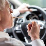 車内に蓄積したタバコのヤニ取りや消臭方法を解説