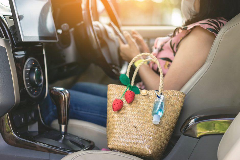 コロナで車移動が増加!車のメリットと複数人で同乗する際の注意点