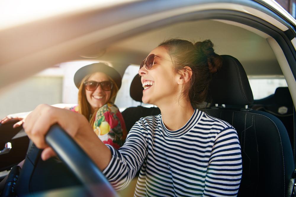コロナ禍の外出で車を使うメリットとリスク