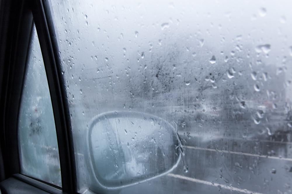 冬場の除湿と窓の曇り対策