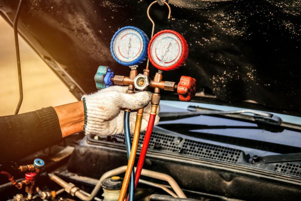 カーエアコンはガス漏れが原因で効かなくなる