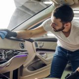 車内が汚れる原因と予防方法を徹底解説