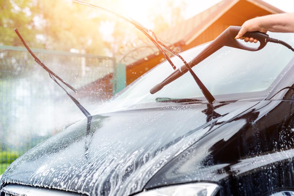 車内清掃と一緒にカーエアコンも洗浄しよう