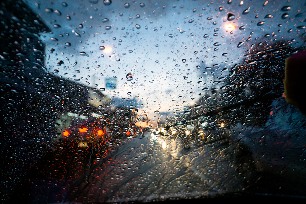梅雨の除湿と窓の曇り対策