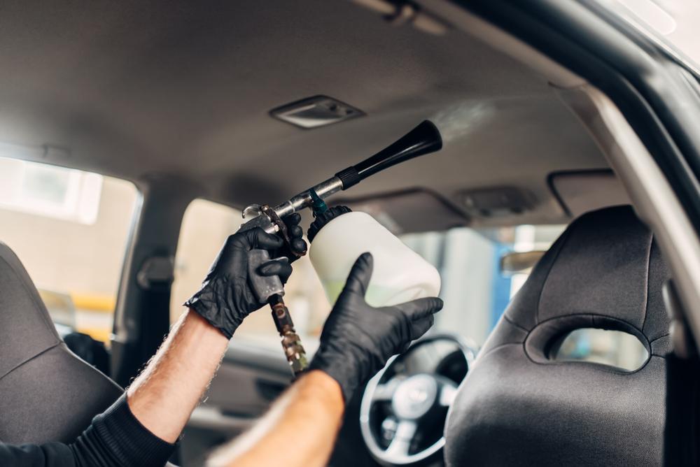 コロナ対策で業者が提供する車の消毒サービスとは