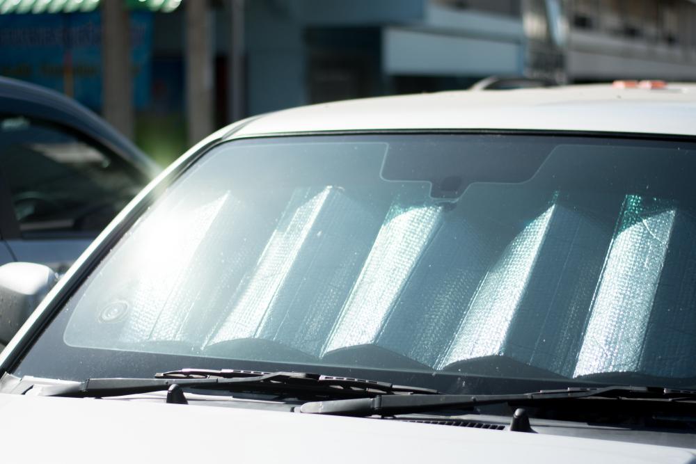 夏場に紫外線以外で行いたい車内の対策